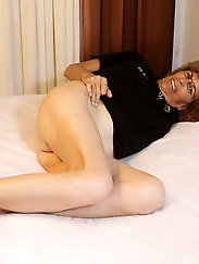 Sexiest older damsel with dripping cunt