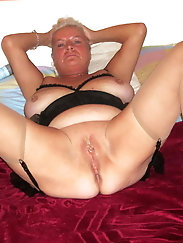 Mature and Grannys 0408