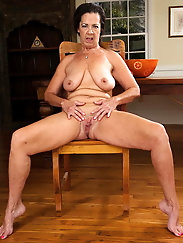 Solo Sexy MILFs and Matures FEAT Grannies MIX #33 (GRIGORISPL)