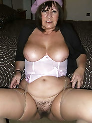Seductive experienced milf is giving him what he wants