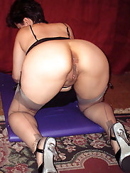 Granny is on all fours waiting for cock