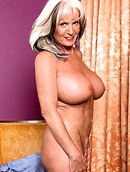 Lustful experienced gilf is teasing her boyfriend