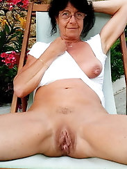 Ravishing mature grandmoms are teasing their boyfriends