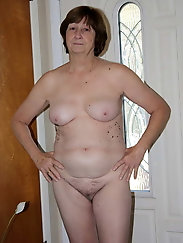 Aged girl is posing naked