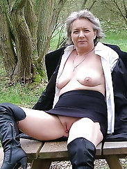 MILF Mature And Granny Picture Set
